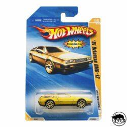 hot-wheels-81-delorean-dmc-12-gold