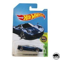 hot-wheels-17-pagani-huayra-roadster-blue