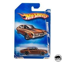 hot-wheels-oldsmobile-442-muscle-mania-long-card