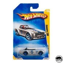 hot-wheels-trumph-tr6-2009-new-models-long-card