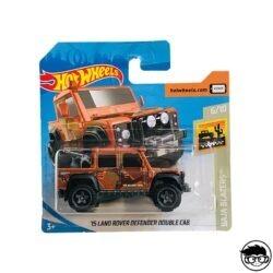 HOT-WHEELS-15-land-rover-defender-double-cab-baja-blazers