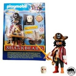 playmobil-super-4-sharkbeard-box-man