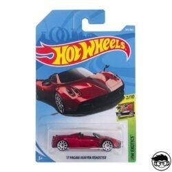 hot-wheels-17-pagani-juayra-roadster-long-card