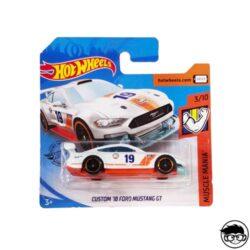 hot-wheels-custom-18-ford-mustang-gt-short-card