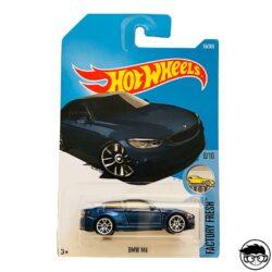 hot-wheels-bmw-m4-long-card
