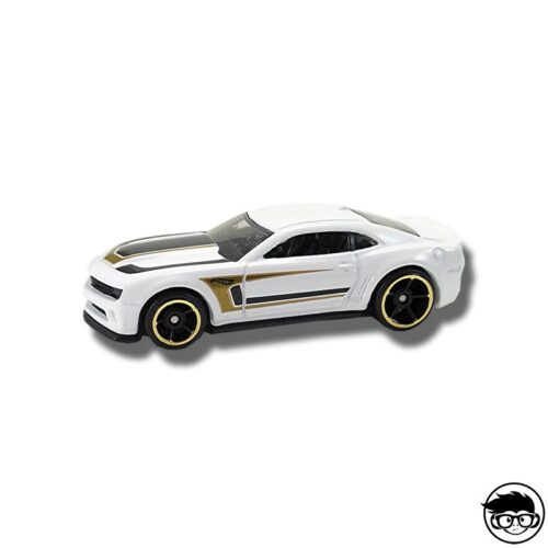 hot-wheels-13-camaro-real