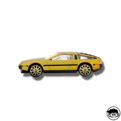 hot-wheels-81-delorean-dmc-12-gold-loose