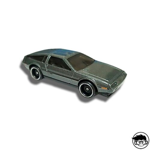 hot-wheels-dmc-delorean-factory-fresh-loose