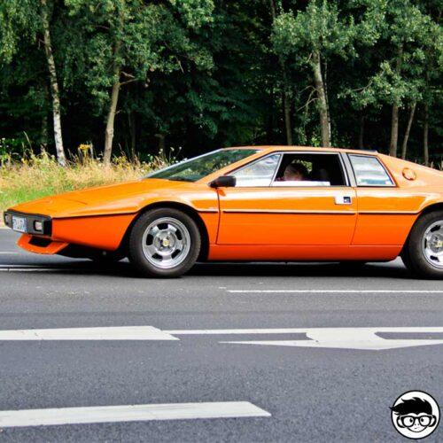 hot-wheels-lotus-esprit-s1-hw-exotics-real