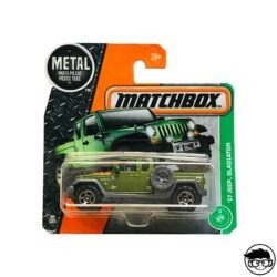 MATCHBOX-17-JEEP-GLADIATOR-SHORT-CARD