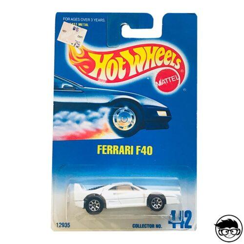 hot-wheels-ferrari-f40-white-collector-442-1992-long-card