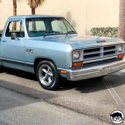 hot-wheels-87-dodge-d100-real