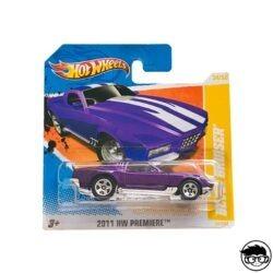 hot-wheels-blvd-bruiser-short-card
