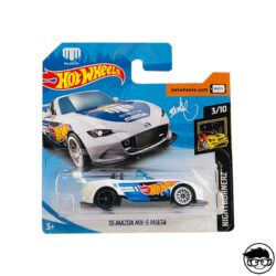 hot-wheels-15-mazda-mx-5-miata-white