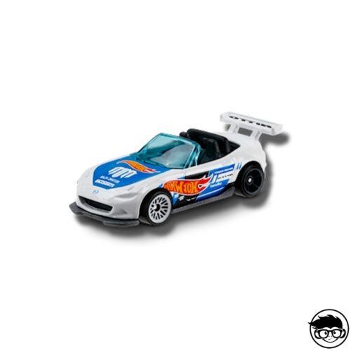 hot-wheels-15-mazda-mx-5-miata-white-loose