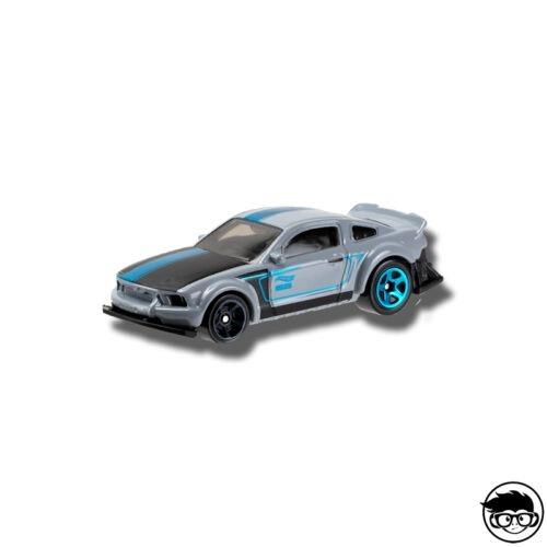 hot-wheels-2005-ford-mustang-grey-loose
