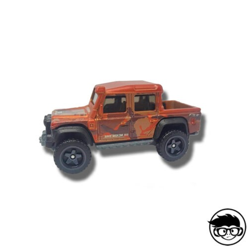 HOT-WHEELS-15-land-rover-defender-double-cab-baja-blazers-LOOSE