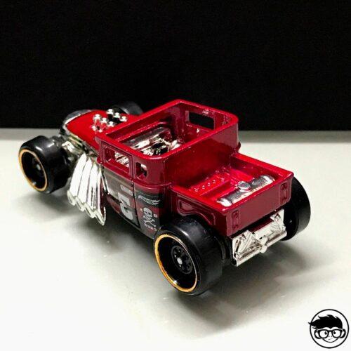 hot-wheels-bone-shaker-red-2019-real