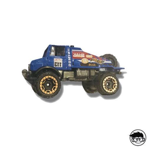 hot-wheels-mercedes-benz-unimog-1300