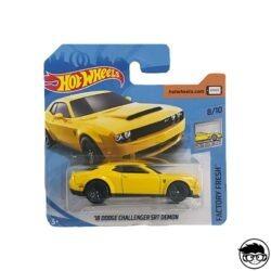 hot-wheels-18-dodge-challenger-short-card
