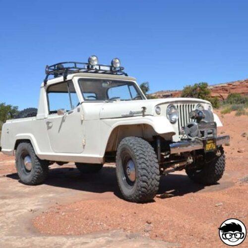 Hot Wheels ´67 Jeepster Commando HW Hot Trucks 84/250 2019 short card