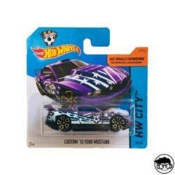hot-wheels-custom-12-ford-mustang-hw-city-short-card