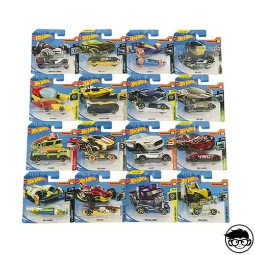 hot-wheels-random-short