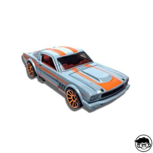hot-wheels-hw-showroom-2013-65-mustang-2+2-fastback-loose