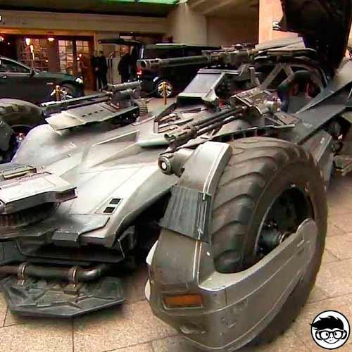 Hot Wheels Justice League Batmobile Batman 66/250 2019 short card
