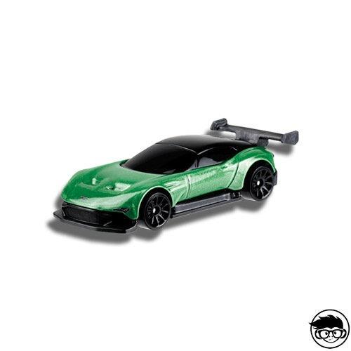 ᐅ Hot Wheels Aston Martin Vulcan Hw Exotics 235 250 2019 Short Card